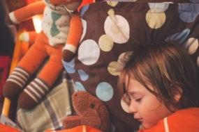 landscape-1453132665-child-bedtime