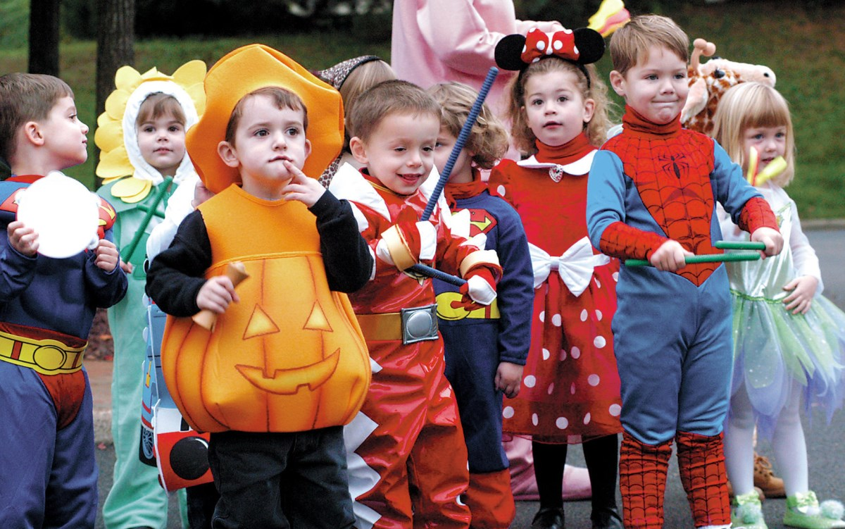Как отпраздновать Хэллоуин. Костюмы, угощения и декор