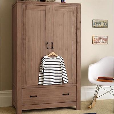 Как организовать детский гардероб