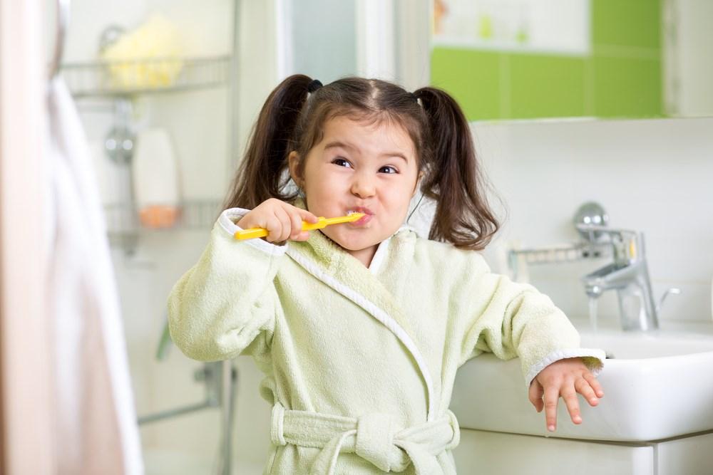 Візит до стоматолога, або як доглядати дитячі зуби