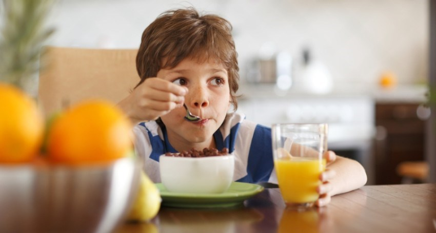 Child-eating-breakfast-2.-Image-by-Shutterstock.-850x455