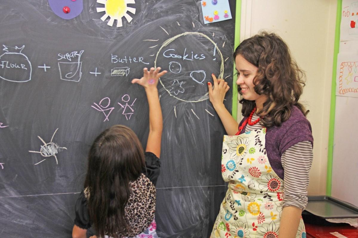 Чому важливо вивчати іноземну мову змалечку?