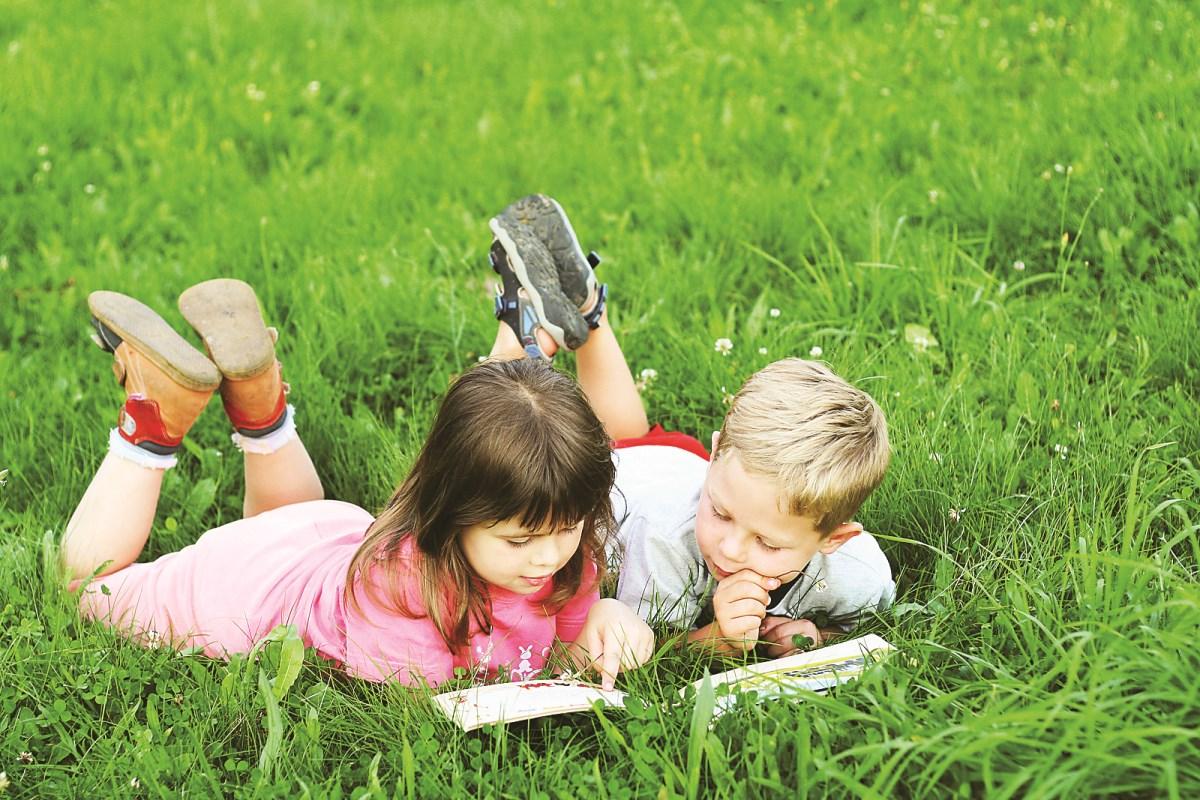 10 детских книг, которые нужно прочесть до конца лета