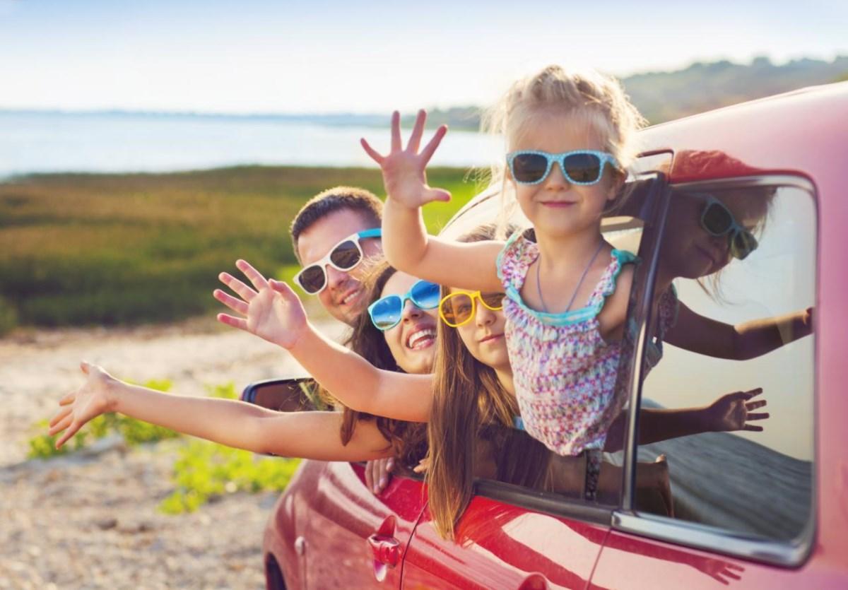 Лайфхаки для спокойной поездки в машине с детьми