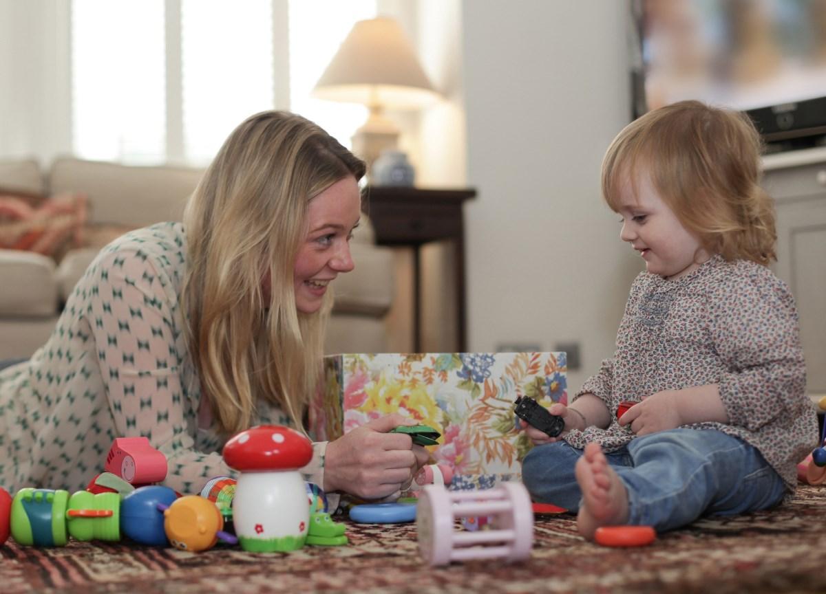 «Печать общения» на игрушке или почему важно играть с ребенком