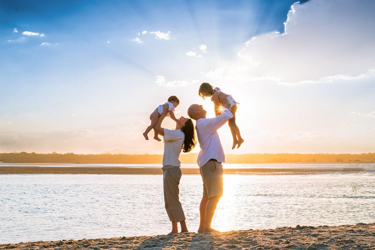 Счастливые дети у счастливых родителей