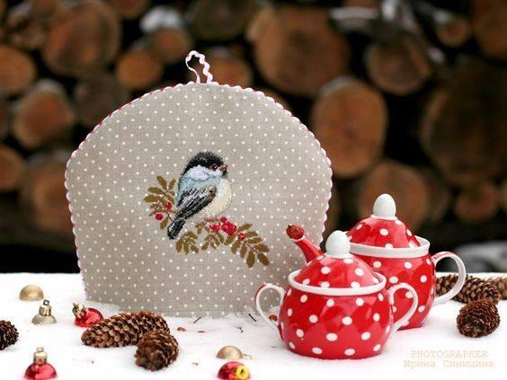 Новогодний и рождественский декор с вышивкой