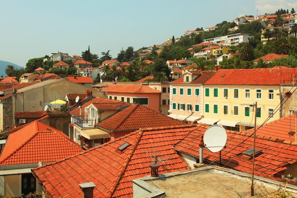 Путешествия с детьми. Черногория, Херцег-Нови: все круто, но с ребенком в коляске не проедешь