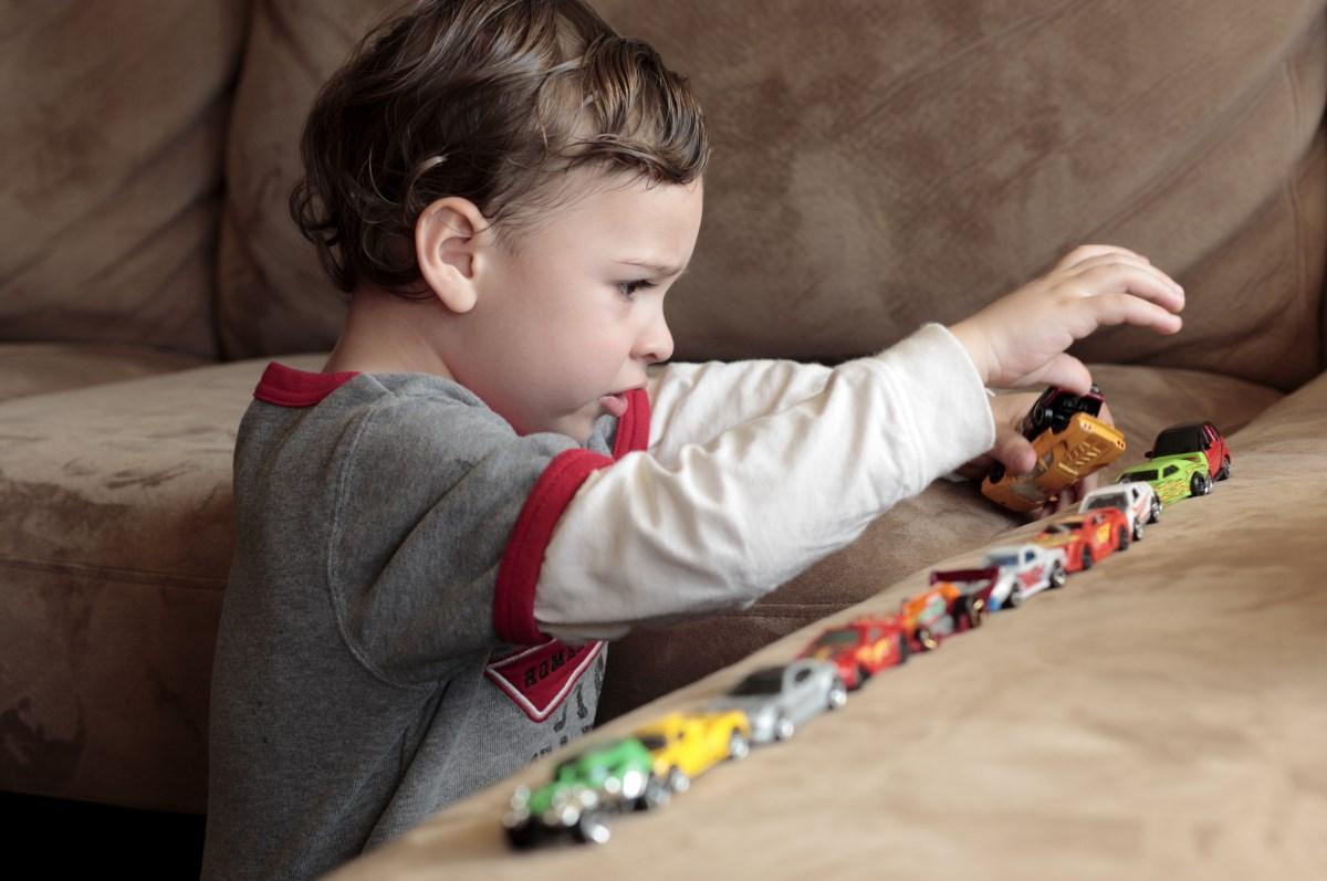 Как разговорить ребенка с аутизмом. Советы логопеда