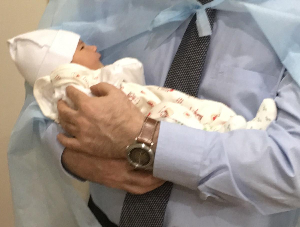 В Украине родилась первый в мире ребенок с ДНК от троих человек после пронуклеарного переноса