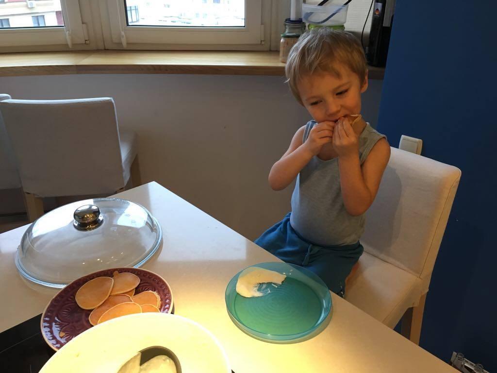 Рецепты мам. Банановые печёные оладьи