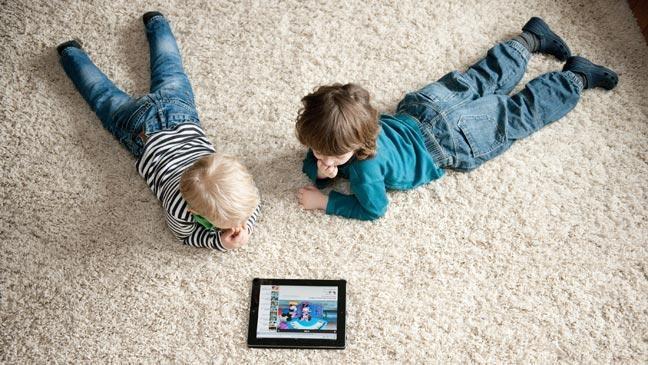 Немедленно отдайте ребенку планшет!
