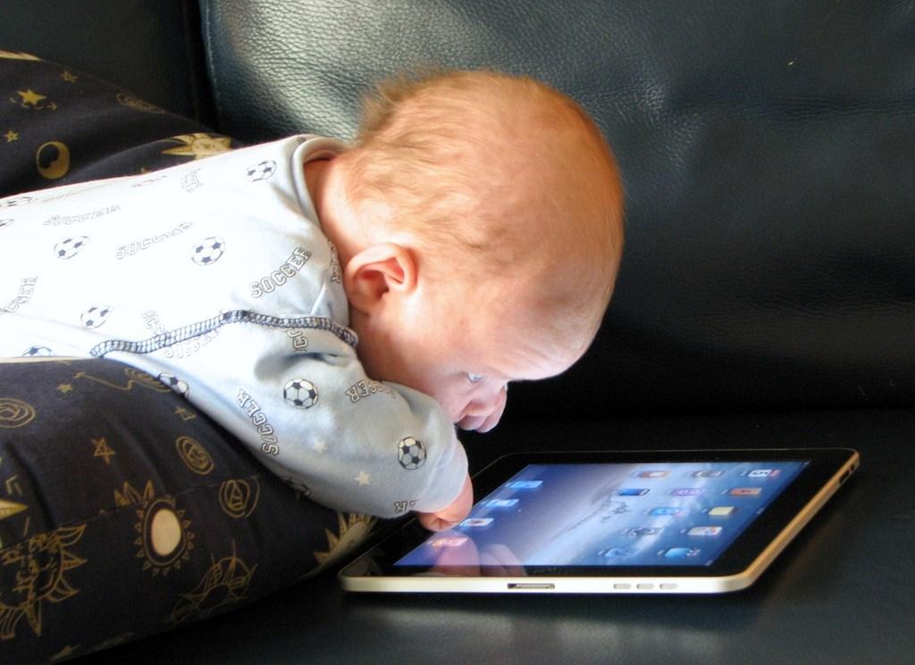 Обучающие мультики для малышей 0 . Вы серьёзно?