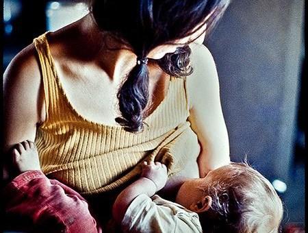 Один ребенок, две груди. ГВ — это
