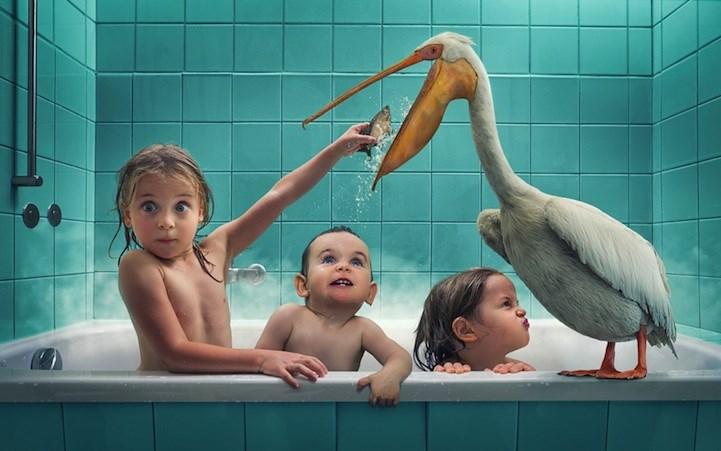 Отец превращает фото с тремя дочками в фантастические сцены