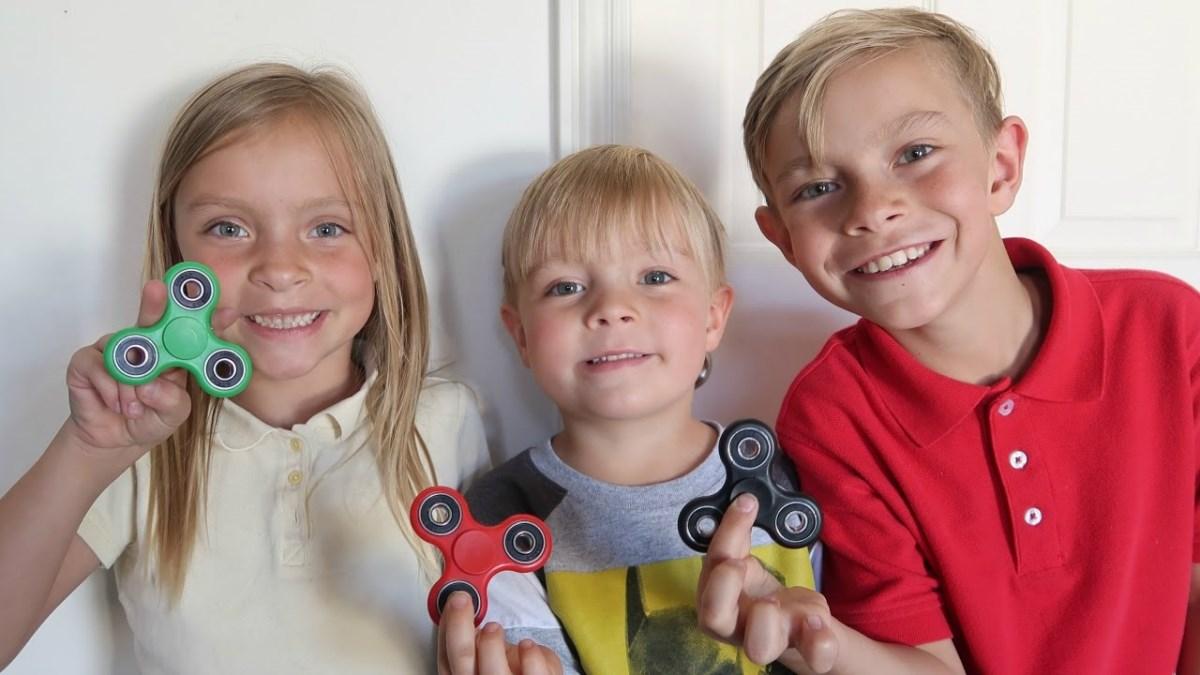 Спиннер — самая популярная игрушка вмире