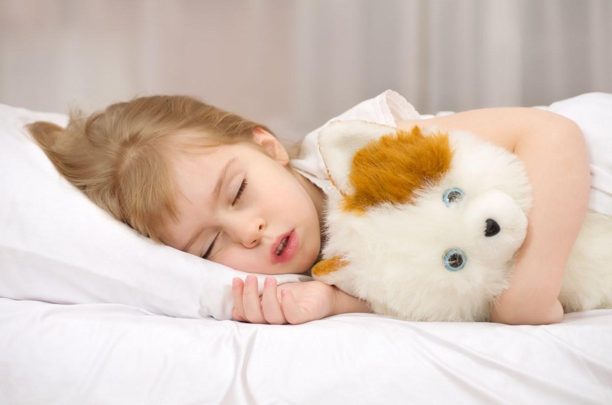 Лайфхак: как уложить ребенка спать