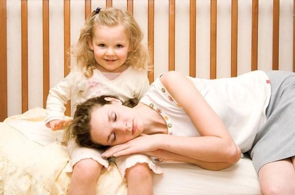 Дети — это утомительно: родители запустили смешной флешмоб