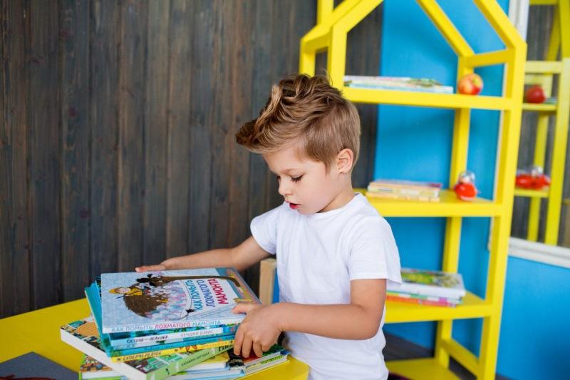 В Україні визначили найкращі книги для підлітків та дітей