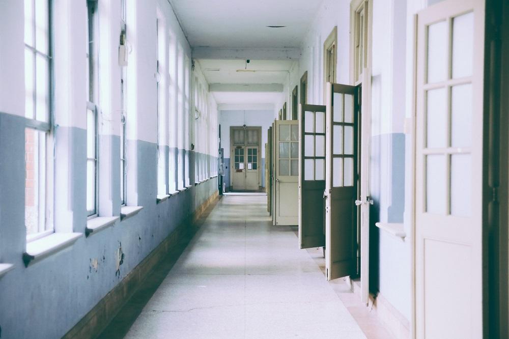Минобразования приостанавливает обучение до 12 марта