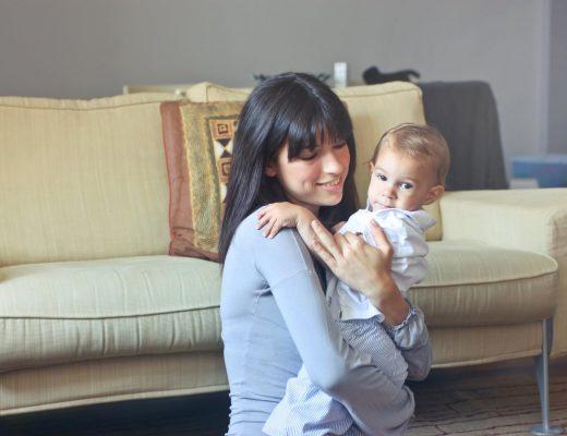 Украинским родителям государство компенсирует оплату услуг няни