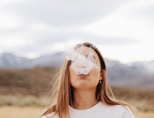 В МОЗ рассказали об опасности электронных сигарет