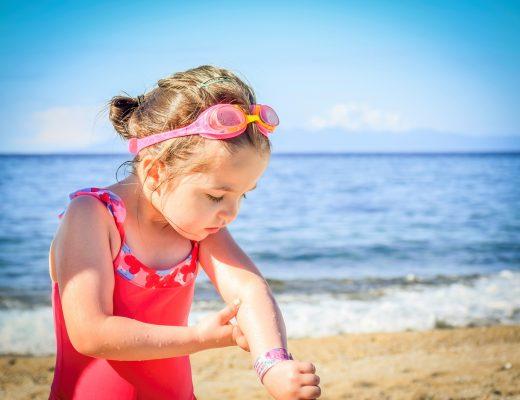 Мандруємо з дітьми влітку: що може зіпсувати відпочинок і як вберегтися