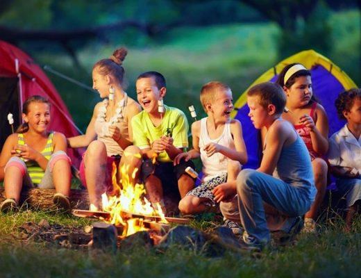 Сімейні табори, активності та підробіток: план для дитини на літо