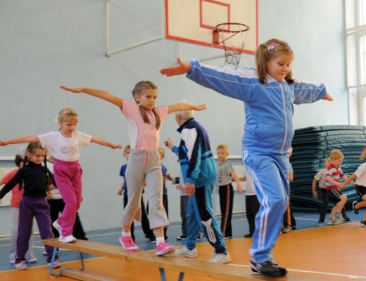 Есть вопрос: Почему дети прогуливают физкультуру?