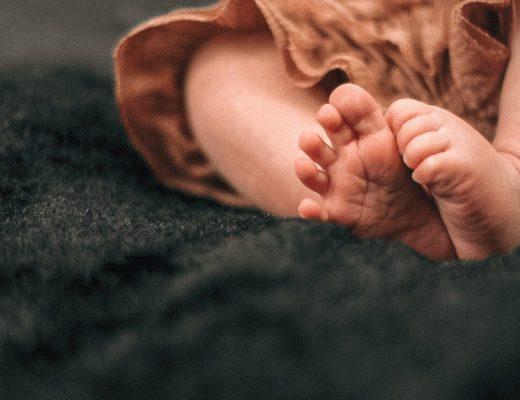 Есть вопрос: можно ли вылечить плоскостопие и другие патологии стопы стельками?