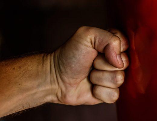 У клітці: як уникнути домашнього насилля під час карантину