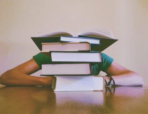 Для українських школярів запустили безкоштовний курс підготовки до ЗНО