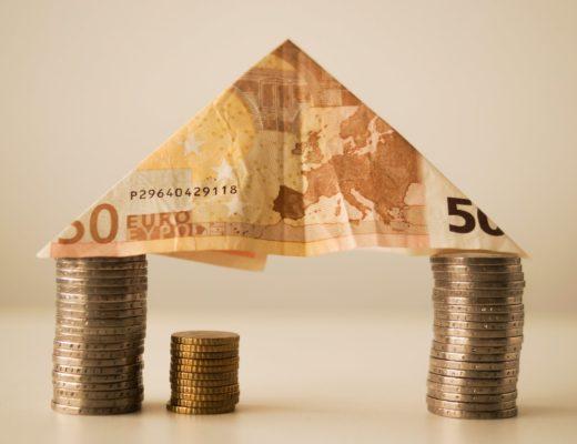 Кишенькові гроші: за і проти