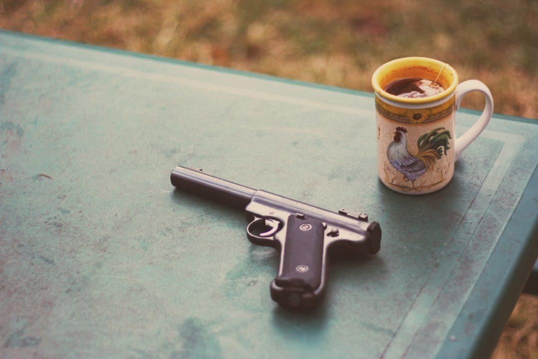 Игры с пистолетом: за и против