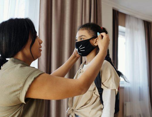 ВОЗ и ЮНИСЕФ рекомендуют не носить маски детям до пяти лет