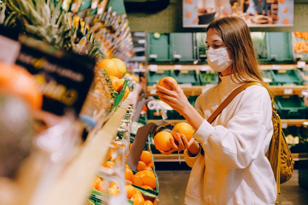 В ВОЗ сообщили можно ли заразиться COVID-19 через продукты питания