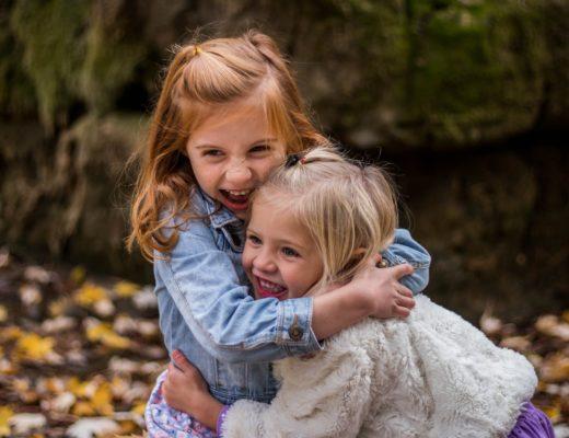 Нужно ли вмешиваться в детские ссоры: советы родителям