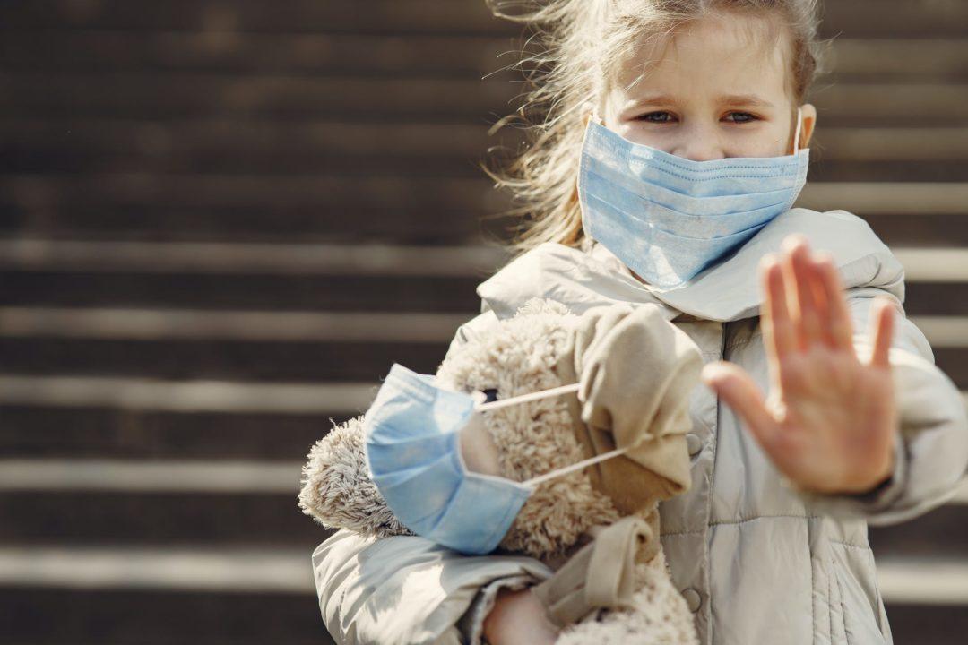 Кто будет обеспечивать детей защитными масками в садиках