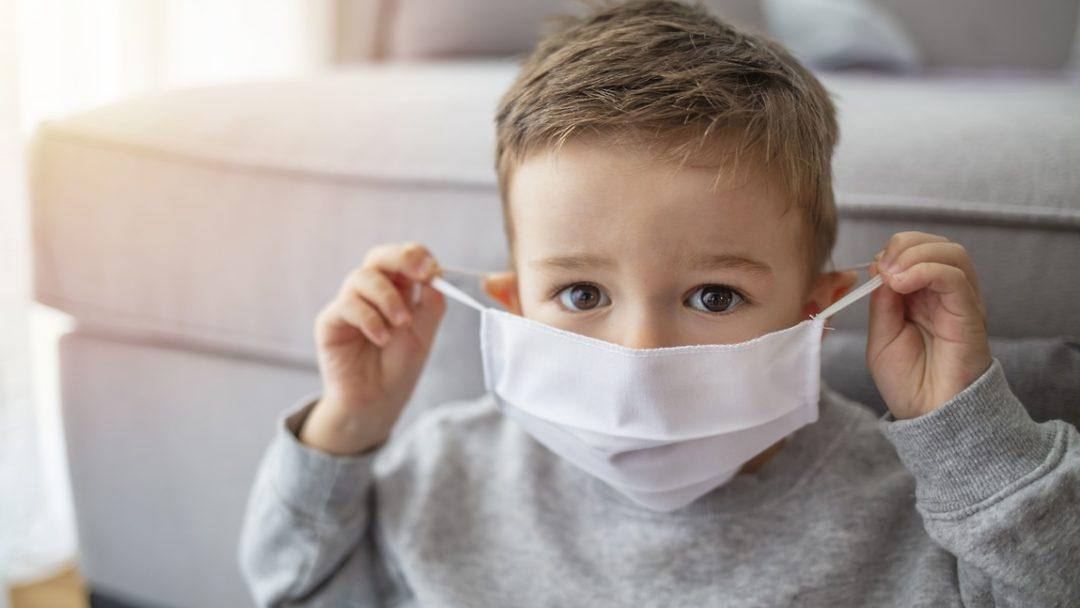 Почему коронавирус для детей оказался серьезнее, чем предполагалось ранее