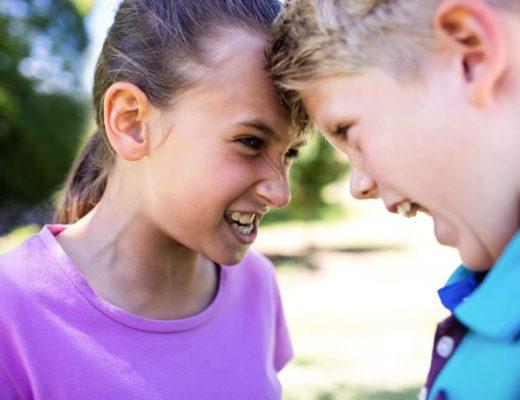 Как остановить соперничество сводных детей